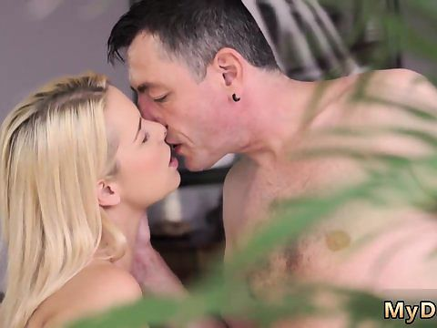 Twin fucking partner s sisters oral pleasure drowsy guy missed how his daddy boinks his girlally